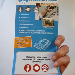 Flyer et carte de visite intégrée
